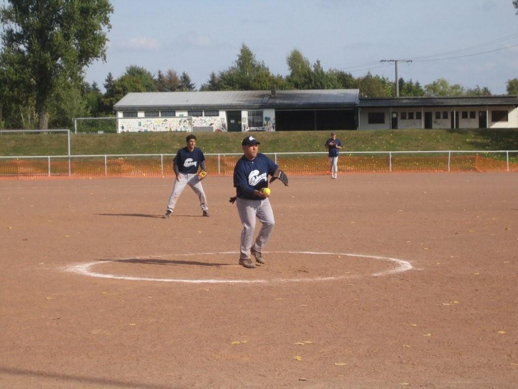 softball_dm_130
